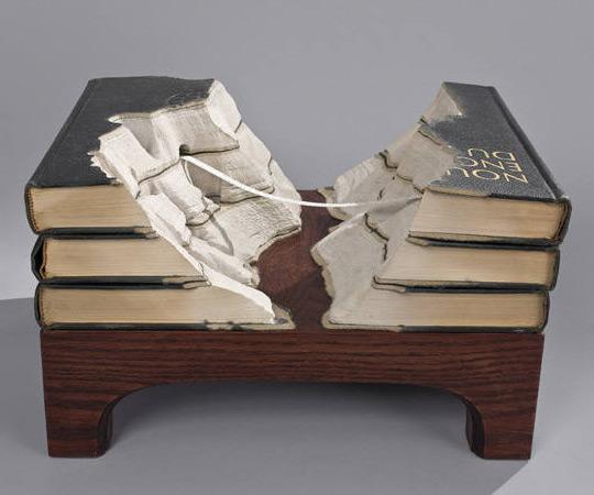 book sculptures | dudeiwantthat