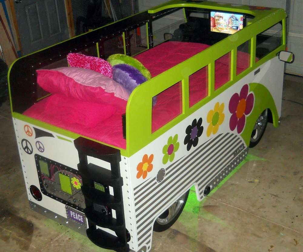 ... VW Bus Bed ...