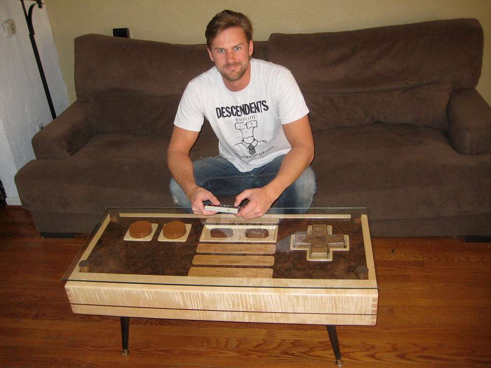 http://static.dudeiwantthat.com//img/household/furniture/working-nintendo-controller-coffee-table-3381.jpg