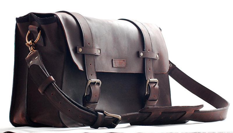 Sizzle Strapz Leather Bags   DudeIWantThat.com