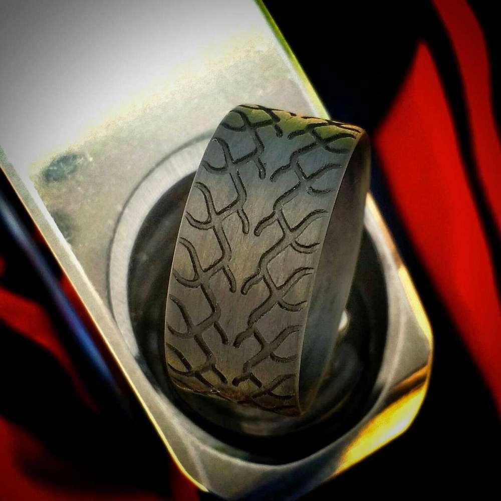carbon fiber tire tread rings | dudeiwantthat
