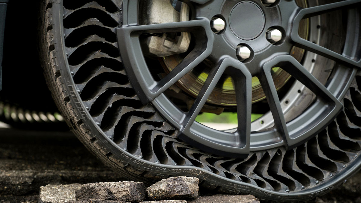 Michelin Uptis Airless Tires