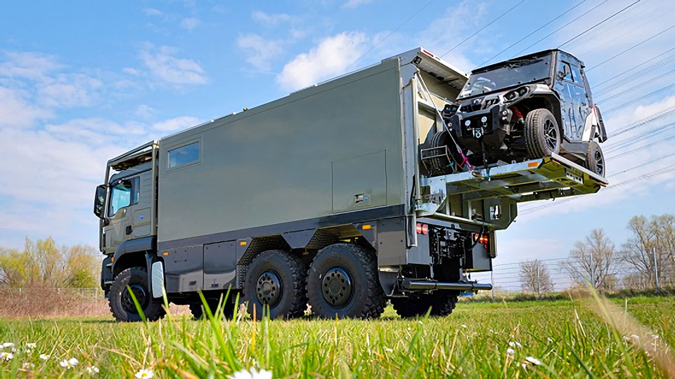 UNICAT MD56c Expedition Vehicle