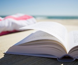 Text on the Beach: Top 10 Summer Reads for Dudes