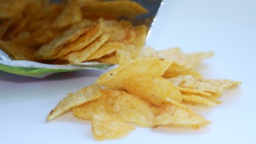 Munch or Dunk? The Best Chips for Snacking & Dipping