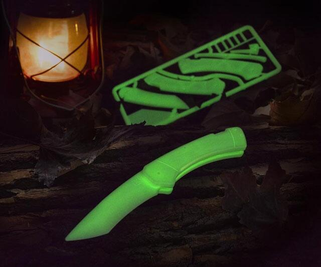 Build And Price >> Trigger Glow-in-the-Dark Knife Kit | DudeIWantThat.com