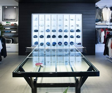 Terrific Glass Top Ping Pong Table Dudeiwantthat Com Home Interior And Landscaping Oversignezvosmurscom