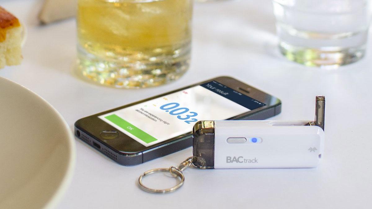 BACtrack Vio Breathalyzer Keychain