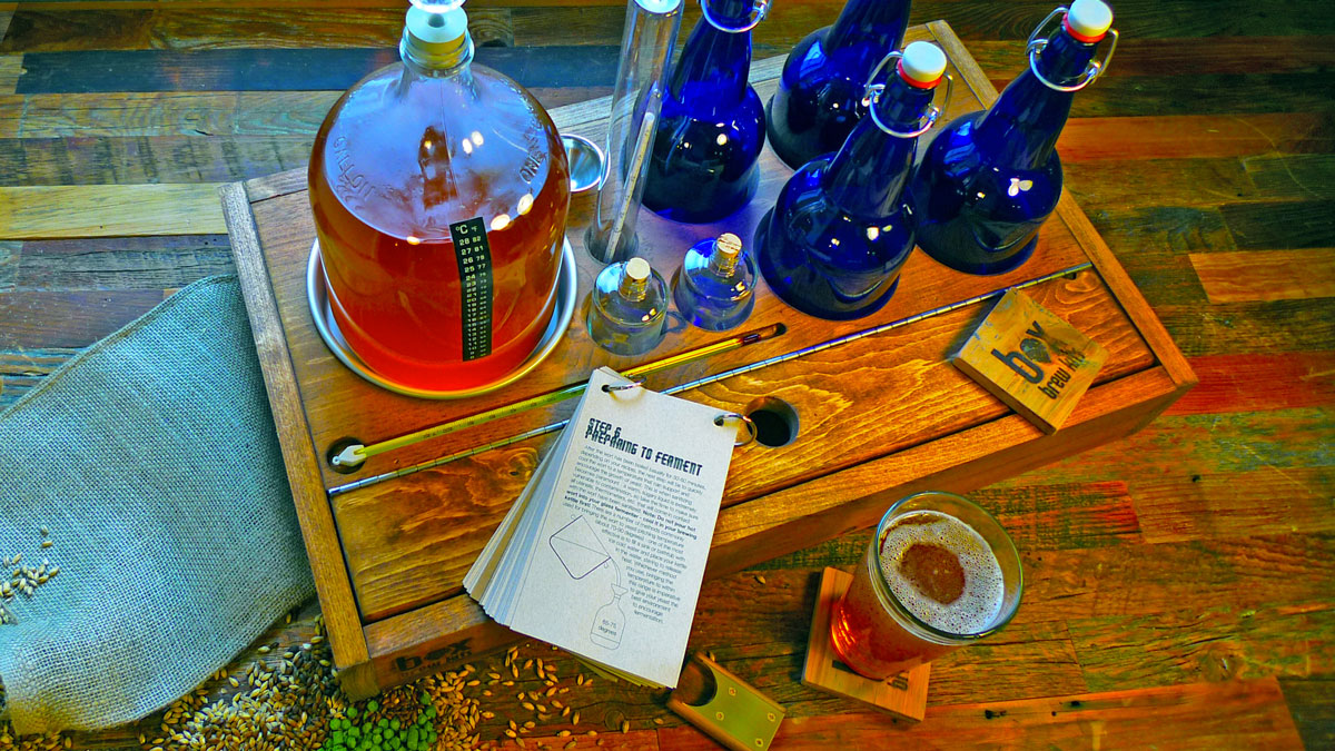 Home Brewing Beer & Bottle Kits