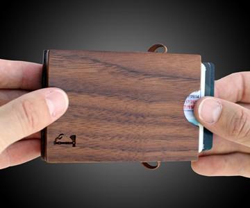 Slim Timber Walnut Card Wallet