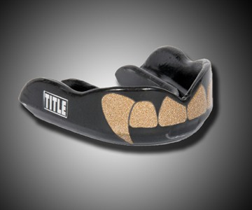 Fangs Mouthguard - Gold Teeth