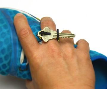 Keon V1 Runner's Key Ring