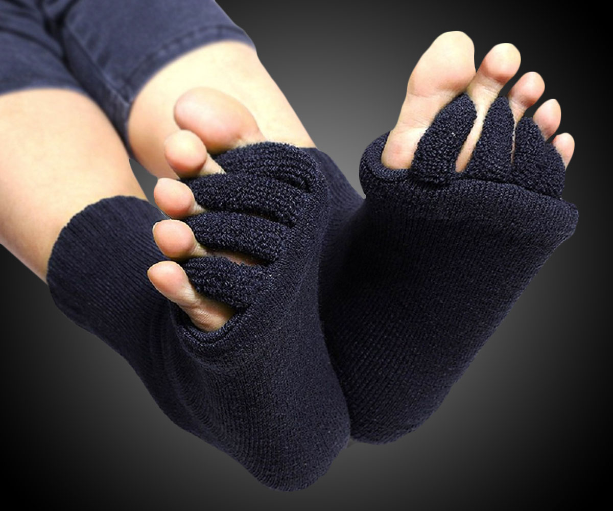 Toe Separator Socks for Alignment & Relief - coolthings.us