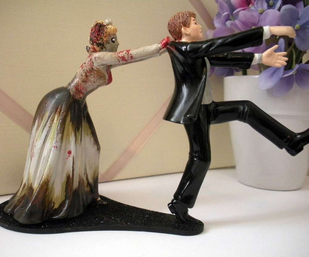 Zombie Bride And Groom Cake Topper
