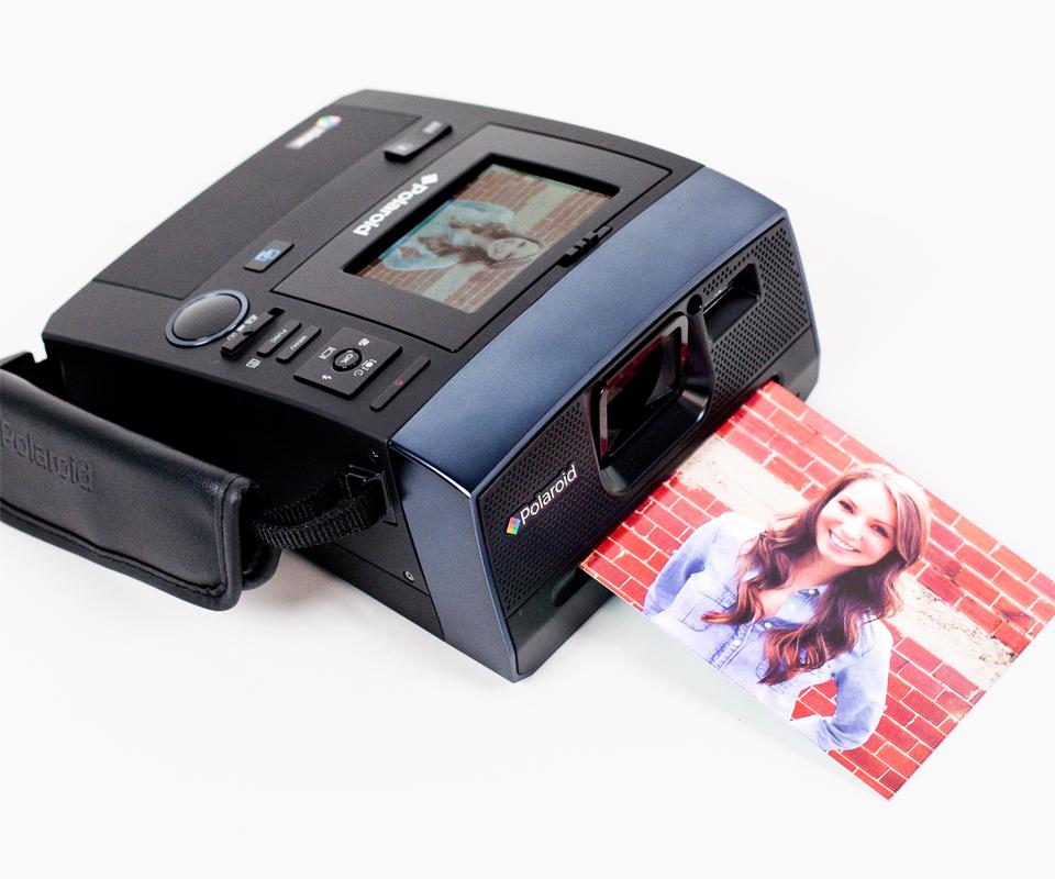 Polaroid Z340 Instant/Digital Camera Hybrid | DudeIWantThat.com