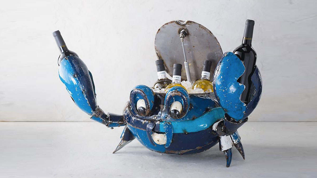 Blue Crab Beverage Tub | DudeIWantThat.com