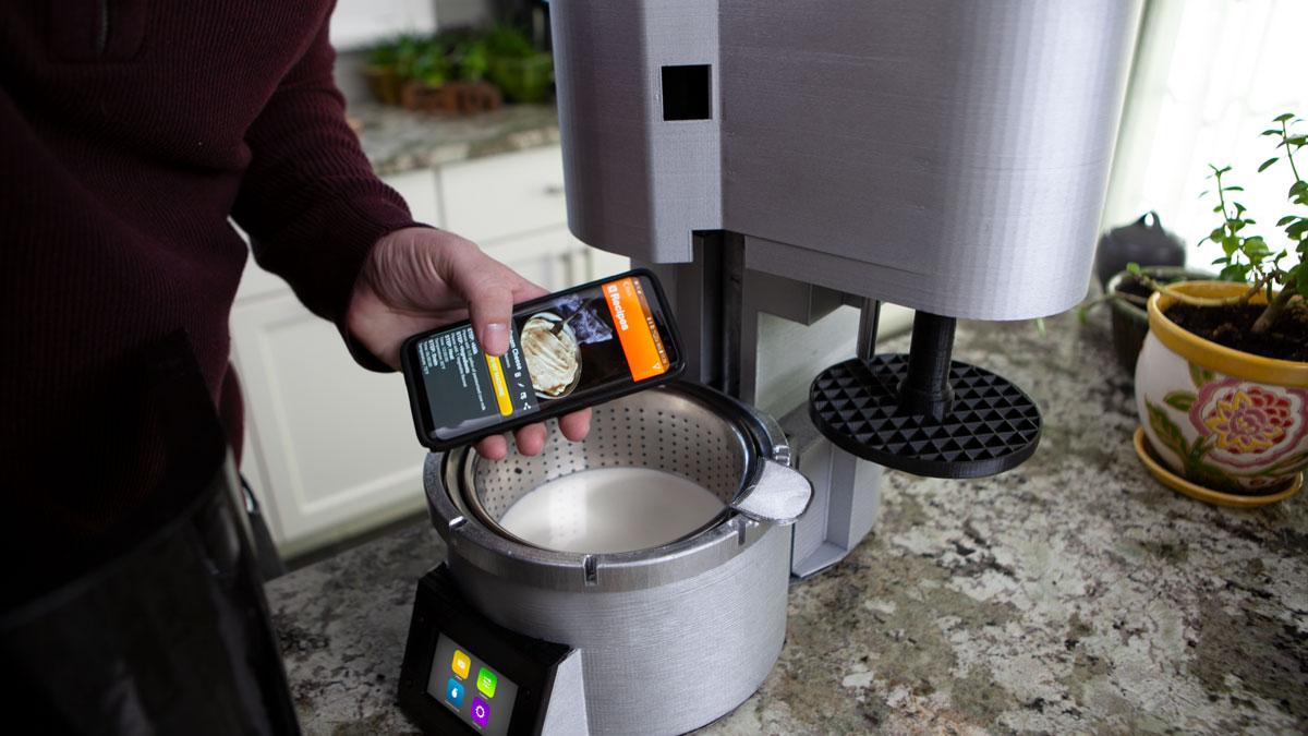 Fromaggio Smart Home Cheesemaker