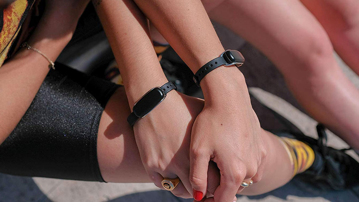 Bond Touch Bracelets for Long-Distance Lovers