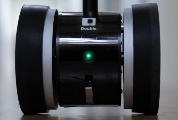 Double Roaming Robotic Ipad Stand Dudeiwantthat Com