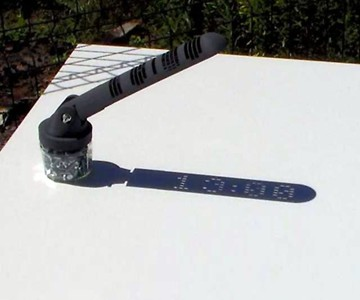"Digital ""Shadow-Operated"" Sundial"