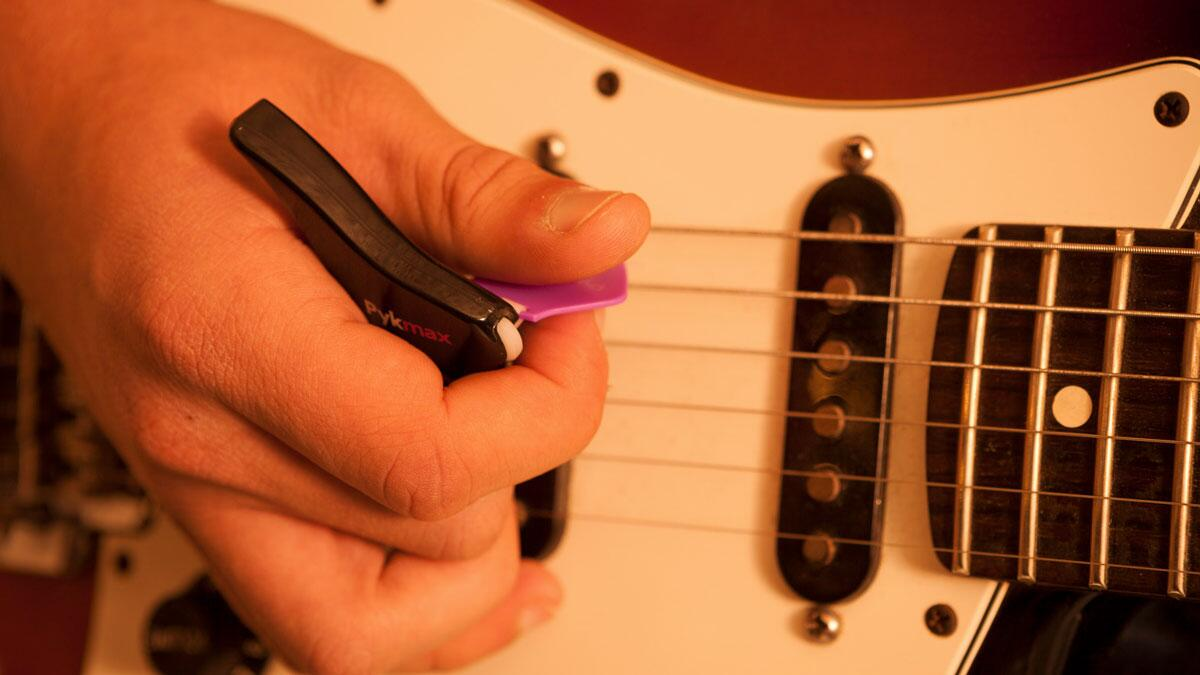 Pykmax Ergonomic Guitar Pick