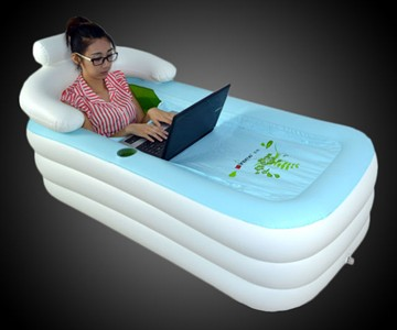 Inflatable Floating Bathtub | DudeIWantThat.com