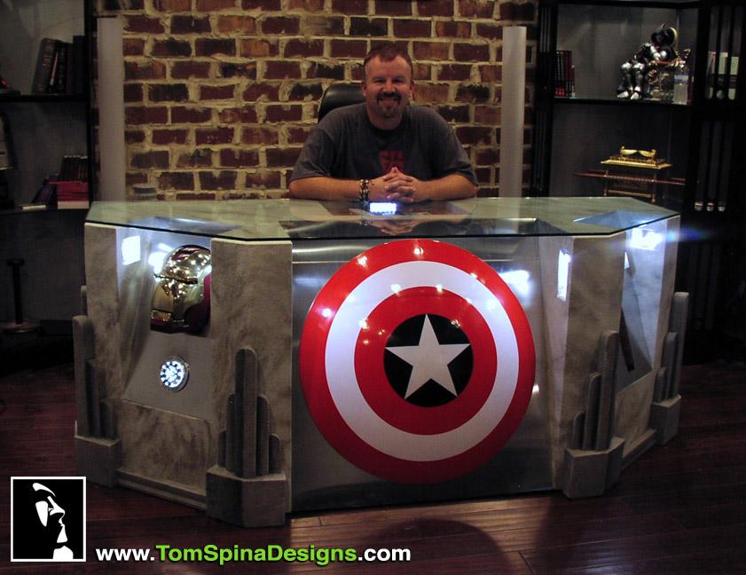 The Avengers Desk   DudeIWantThat.com