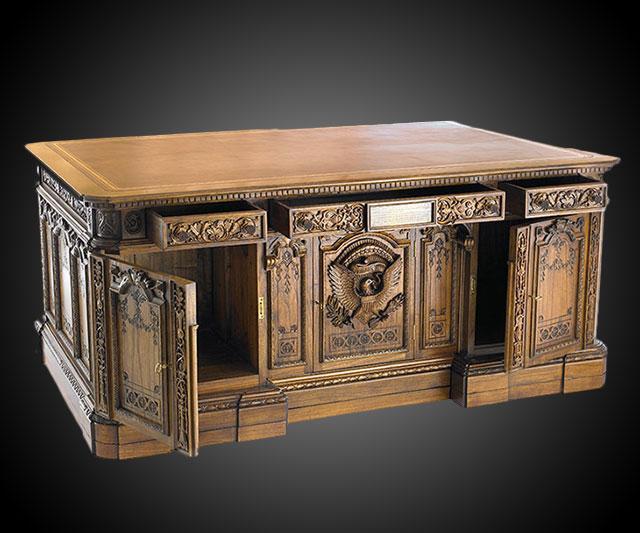 desk in oval office. American President\u0027s Resolute Desk Replica In Oval Office