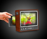 Retro TV Smartphone Screen Magnifier