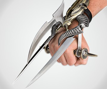 Alien Spiked Tri-Blade Hand Claw
