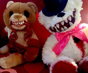 Giveaway: Pair of Grisly Bears