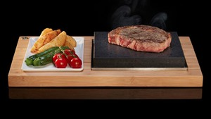 Giveaway: SteakStones Sizzling Steak Plate Set