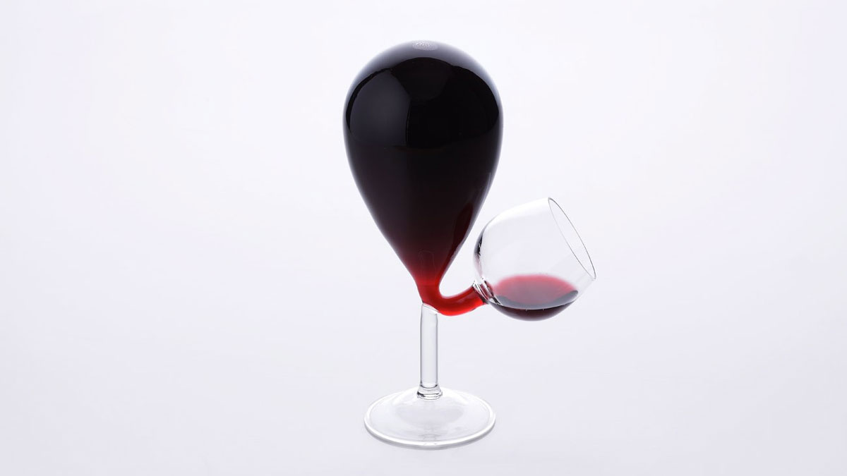 Glass Tank Self-Filling Wine Glass