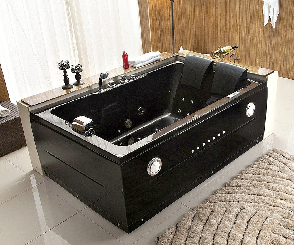 2-Person Black Jacuzzi | DudeIWantThat.com