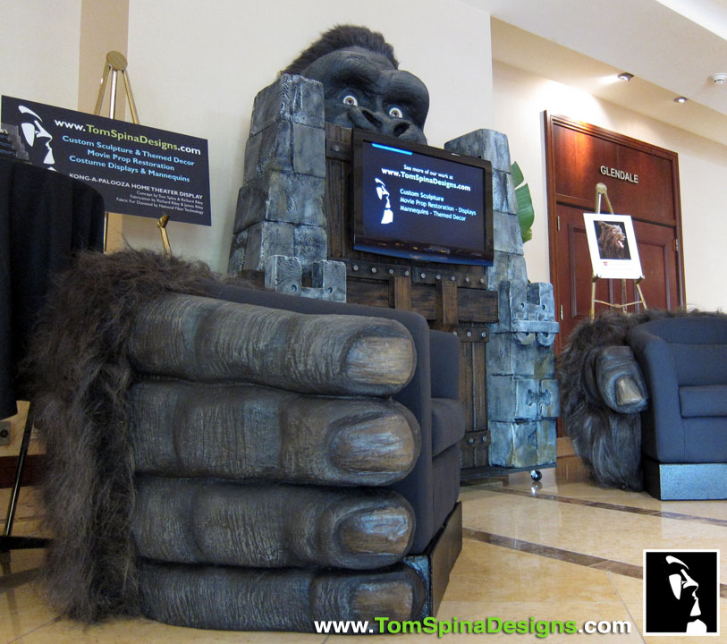 King Kong Themed Home Theater | DudeIWantThat.com