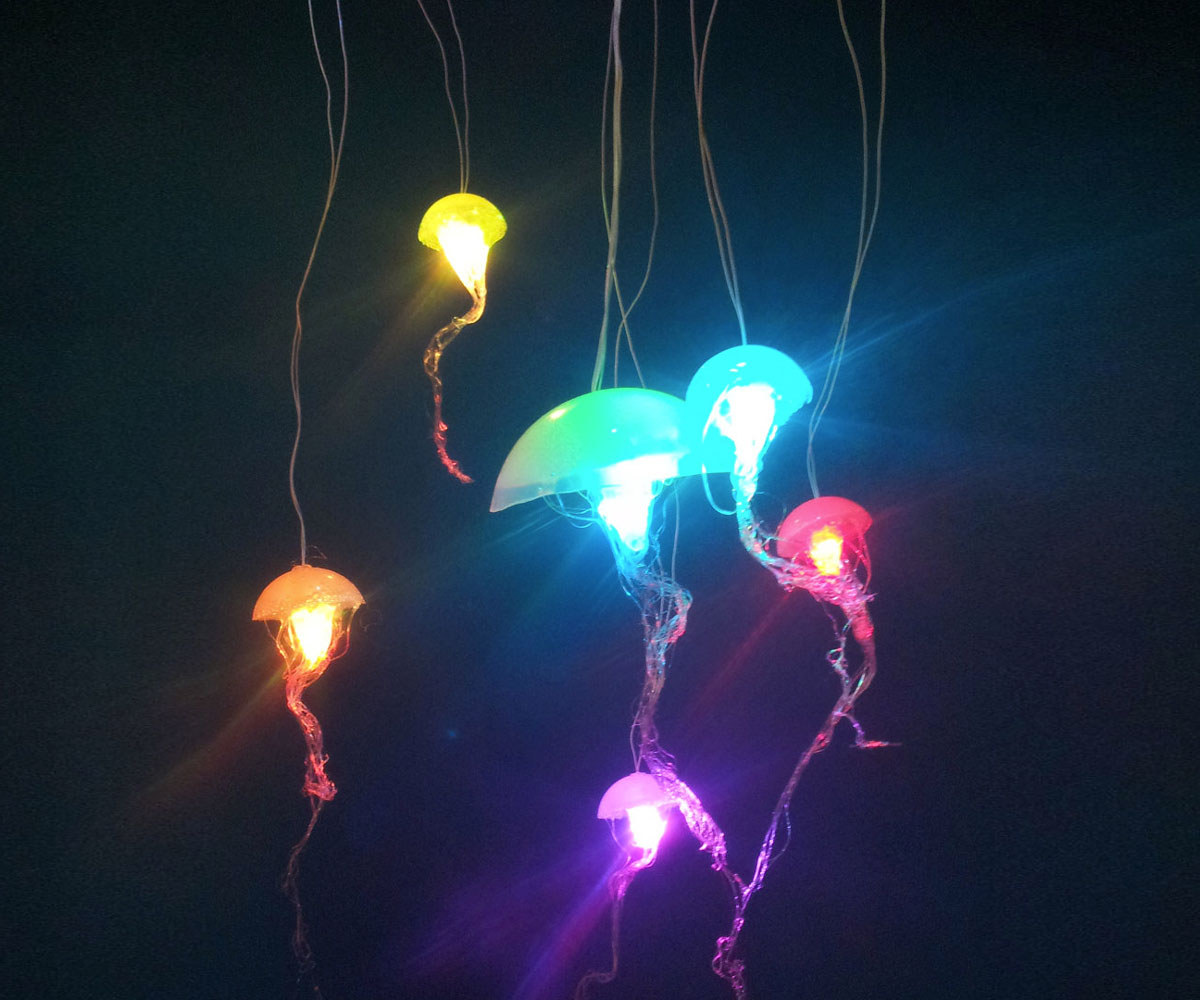 Jellyfish hanging lights dudeiwantthat jellyfish hanging lights arubaitofo Image collections