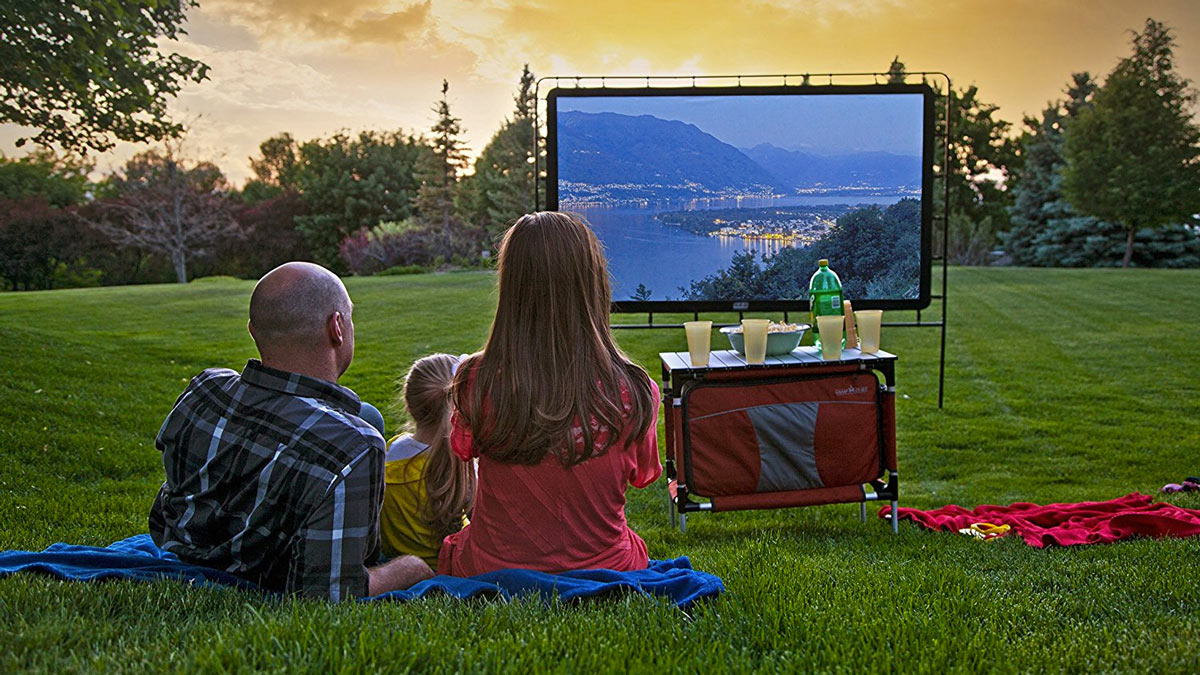 Outdoor Projector Screen With Dog Picture
