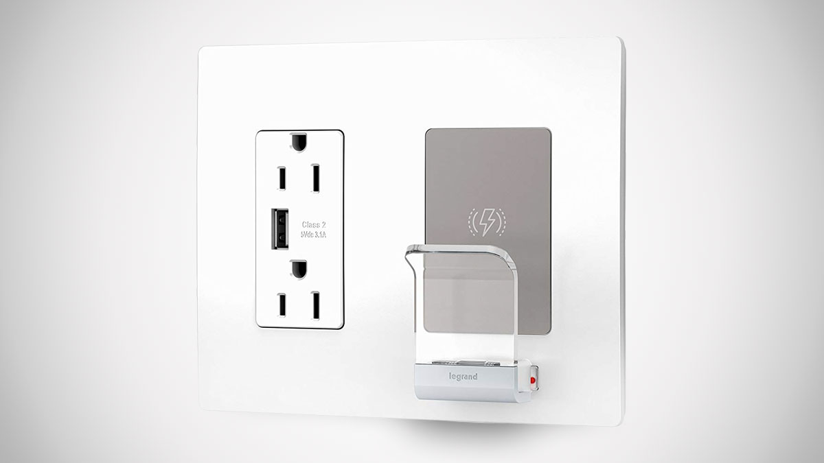 Legrand Radiant Wireless Qi-Certified Wall Outlet
