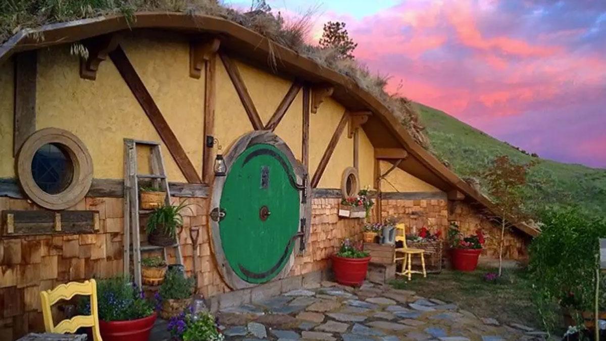 Hobbit Hole Vacation Rental