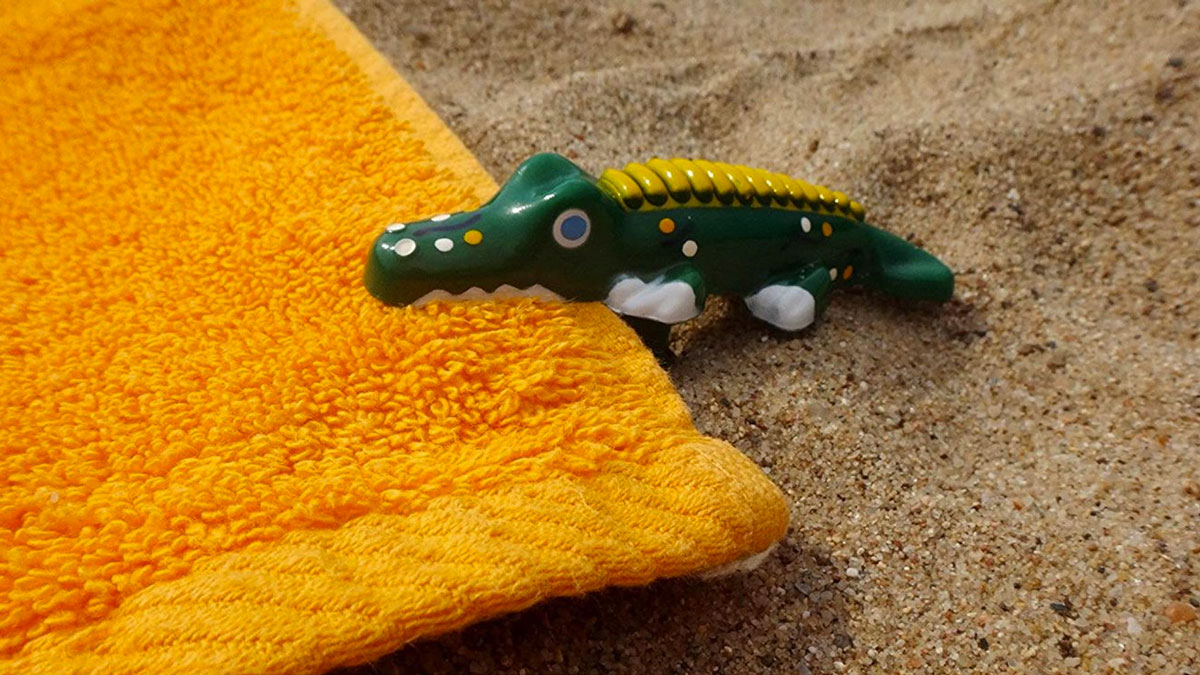 Alligator Beach Towel Anchor Stakes