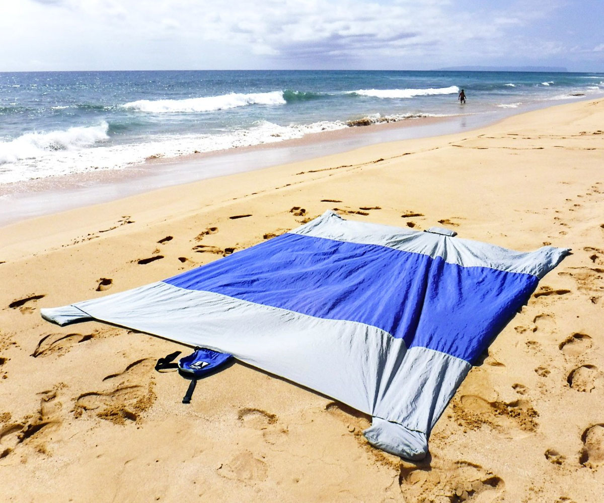 Family Beach Blanket: Sand Escape Compact Beach Blanket