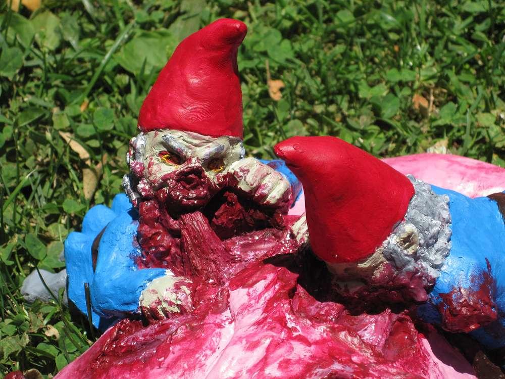 Gnome Garden: Zombie Gnomes: Bye Bye Birdie