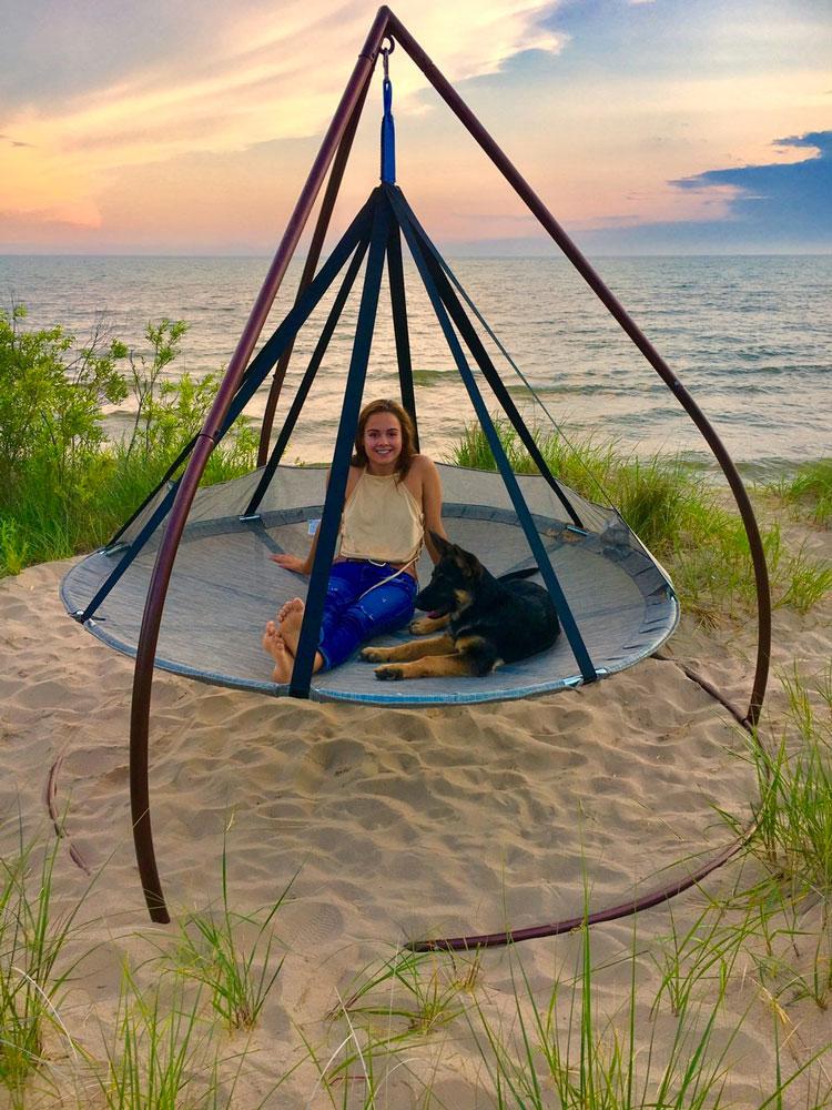 Flying Saucer Hanging Hammock Chair Dudeiwantthat Com