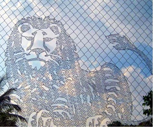 Кружевной забор из рабицы своими руками 7