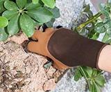 Garden Genie Gloves with Claws