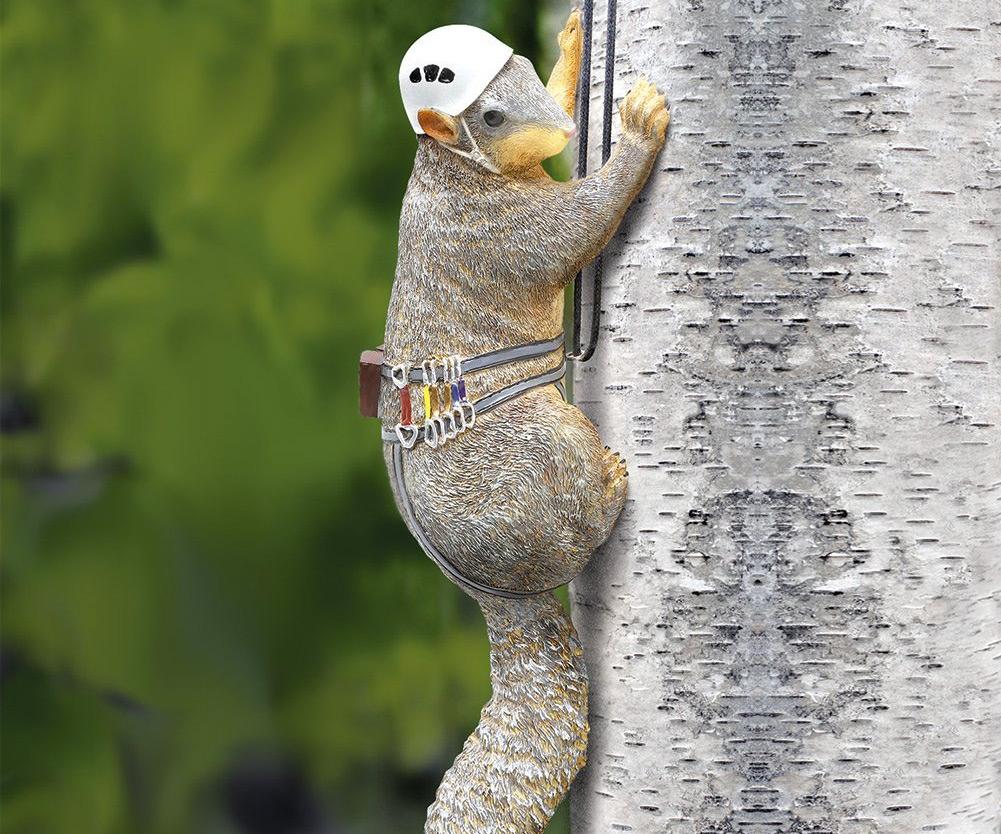 Genial Squirrel Tree Climber Garden Statue ...