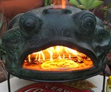 Green Frog Terracotta Pizza Oven