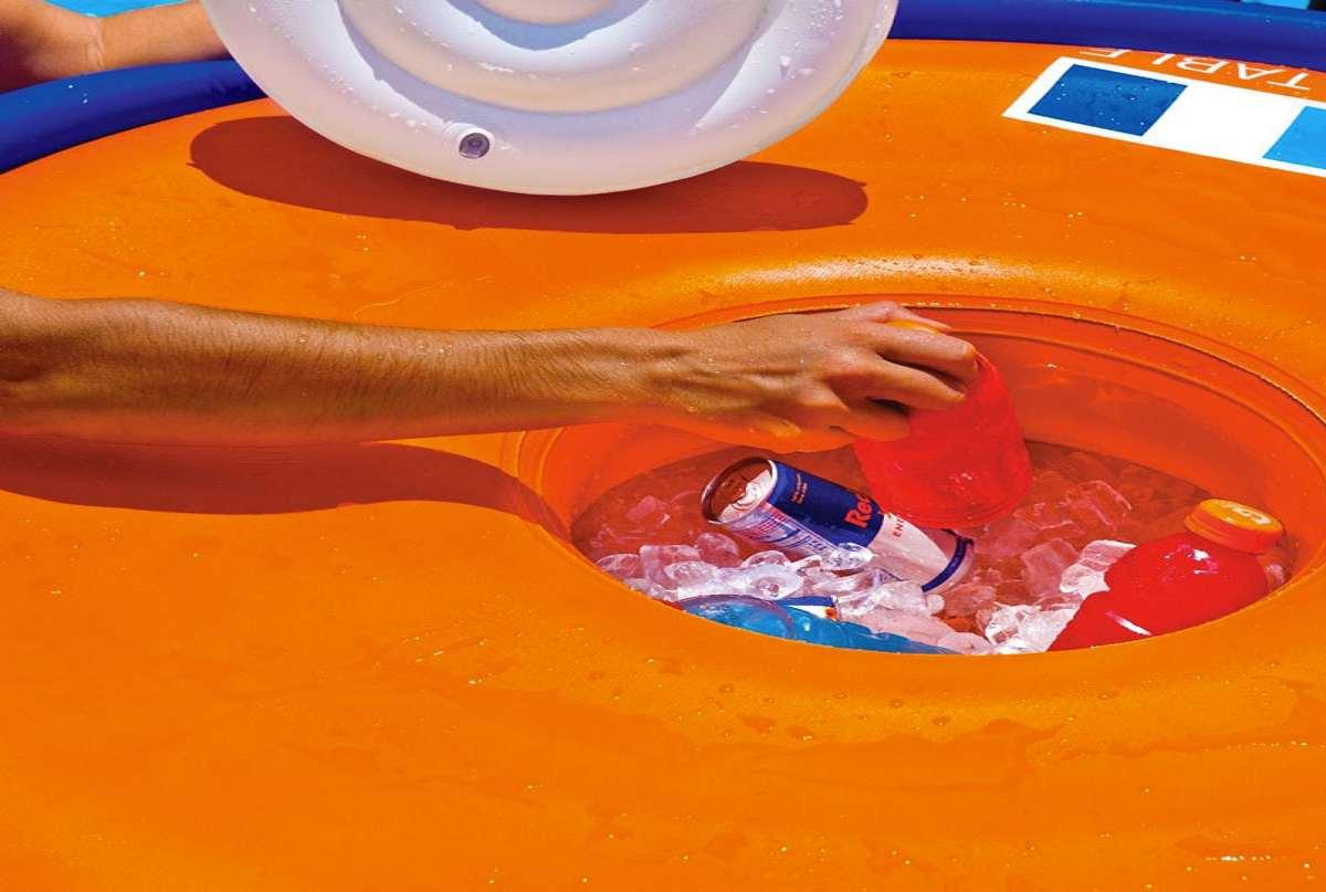 Wow Aqua Floating Table Amp Bar Dudeiwantthat Com
