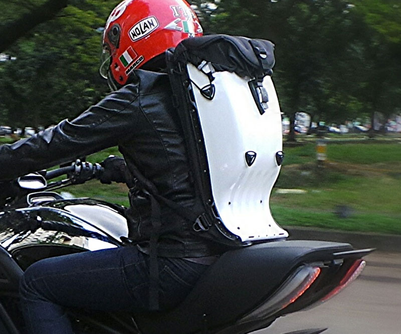 Motorcycle Safety Gear >> Boblbee Biker Backpack | DudeIWantThat.com