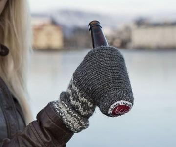 Hanskie Beer Koozie Glove